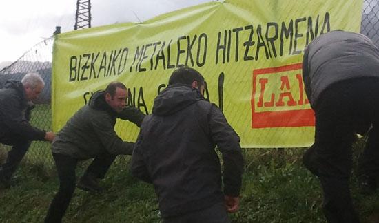 Durangaldeko Metalgintzako Delegatuek egindako mobilizazioaren argazkia.