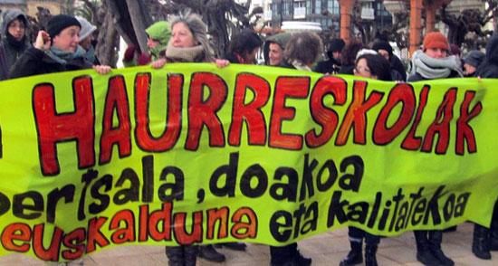 Hauureskolak unibertsala, doakoa, euskalduna eta kalitatekoa exijitzeko LAB sindikatuak otsailaren 11n egindako elkarretaratzea.
