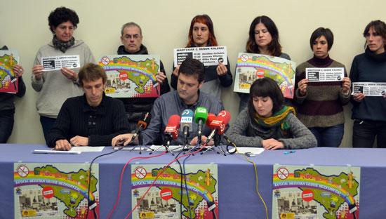 Hezkuntza komunitatearen prentsaurrekoa Martxoak 2ko manifestazioa iragartzen.