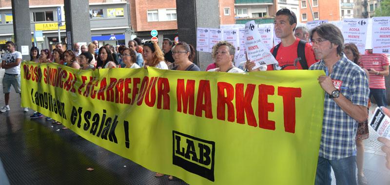 Atzo Zabalburuko Carrefour Marketen LABen egindako protesta.