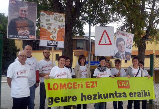 LOMCEren aurka Berriozarko Eskolan egindako mobilizazioa 2014an.